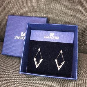 Swarvorski Diamond Dangle V Earrings White & Black